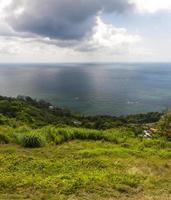 caribisch strand aan de noordkust van jamaica foto