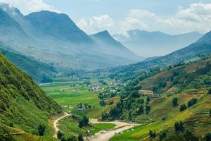 vallei tussen de rijstterrassen.