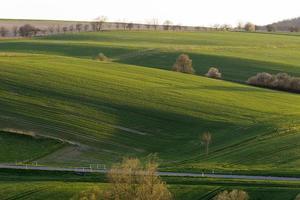 heuvelachtig landschap in Nedersaksen foto