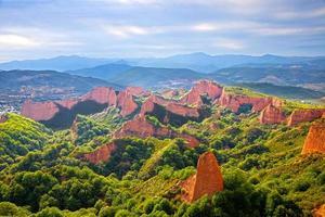 lage hoekmening van een kasteel in de provincie van leon, spanje
