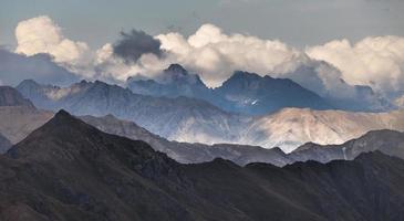 prachtige landschappen met hoge bergen van turkije foto