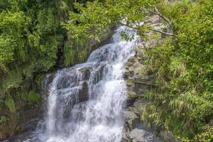 waterval in de berg foto