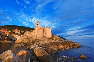 tellaro - liguria - italië foto