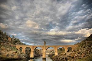 Romeinse brug van Alcantara. hdr foto