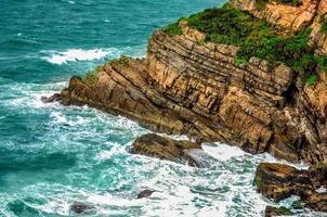 indrukwekkende rotsachtige beklimming foto