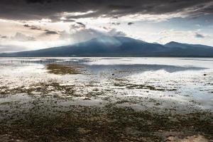vulkaan rinjani (lombok) van het eiland gili pantangan foto