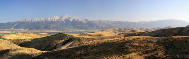 prachtige grote bergen in de provincie turkije foto
