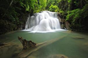 tropische waterval foto