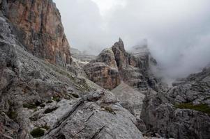 dreigende bergen foto