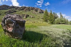 weide stenen bergen