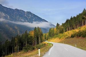 weg in de bergen