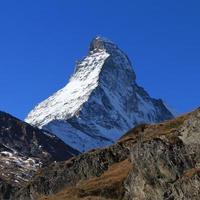 met sneeuw bedekte Matterhorn foto