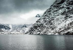 fjorden in noorwegen foto