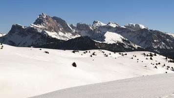 winters tafereel in de Dolomieten, Italiaanse Alpen foto