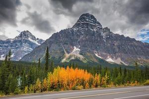 majestueuze bergen en gletsjers foto