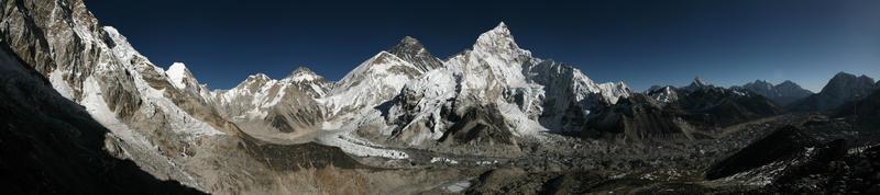 mount everest en de khumbu-gletsjer van kala patthar, himalaya foto