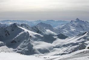 bergen in wolken foto