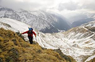 wandelen in rotsachtige bergen foto