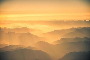 himalaya bergen everest bereik panorama luchtfoto foto
