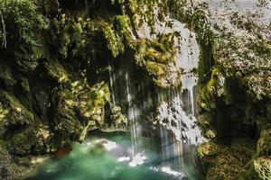 bij de waterval in Pamplona Navarra