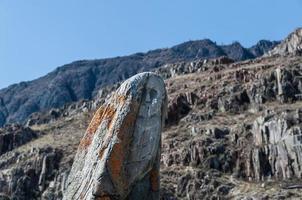 oude stenen berg van rendieren