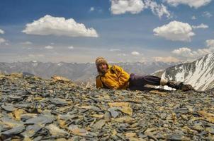 wandelaar in de Himalaya foto