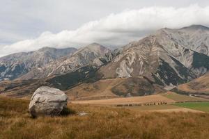 kasteelheuvel in zuidelijke alpen, nieuw-zeeland