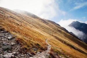 het beklimmen van volovec bij het tatra-gebergte foto