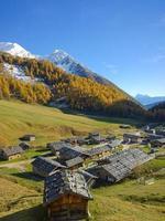zuid-tirol: fane alm in de herfst foto
