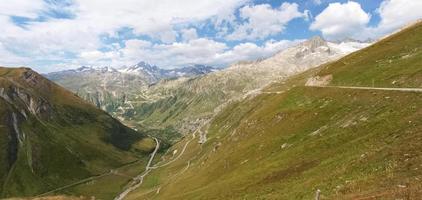 alpine passeren de grimslepass foto