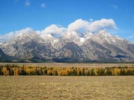 Grand Teton Range-uitzicht vanaf Jackson Hole (VS) foto