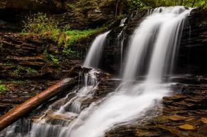 Shawnee Falls, bij Ricketts Glen State Park, Pennsylvania. foto