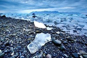 jökulsárlón beach, ijsland foto