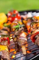 heerlijke spiesjes op de grill