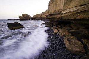 rollende stenen strand
