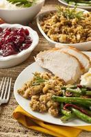 zelfgemaakt Thanksgiving-diner met kalkoen foto