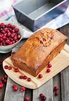 heerlijk vers zelfgemaakt cranberrybrood foto