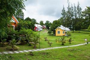 huis in de natuur foto