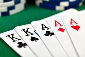 full house en pokerchips foto