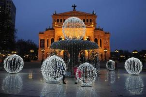 alte oper met kerstmis, frankfurt, duitsland