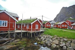 traditionele huizen in lofoten, noorwegen