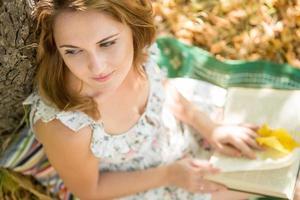 meisje met boek