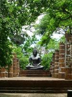 de boeddha in thailand foto
