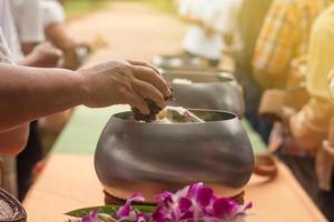 boeddhistisch voedselaanbod foto