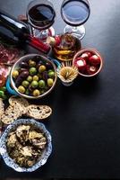 Spaanse tapas, voedselgrensachtergrond foto