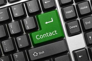 conceptueel toetsenbord - contact (groene toets)