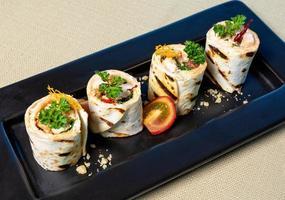 smakelijke lavash roll-garnering foto