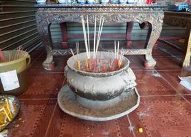 wierook thailand koh samui boeddhisme foto