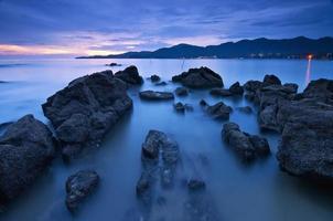 rustig scènezeegezicht in het eiland Penang foto