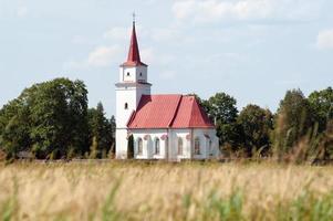 ouderwetse landelijke kerk foto